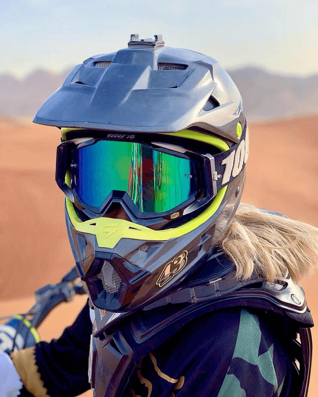 Women's motorbike helmet
