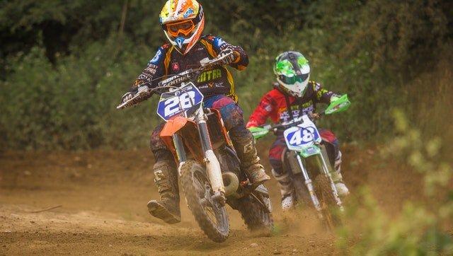 Best Dirt Bike Goggles For Enduro, Trails & Motocross Reviewed