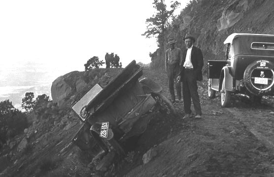 Accident along Knifes Edge road -1920
