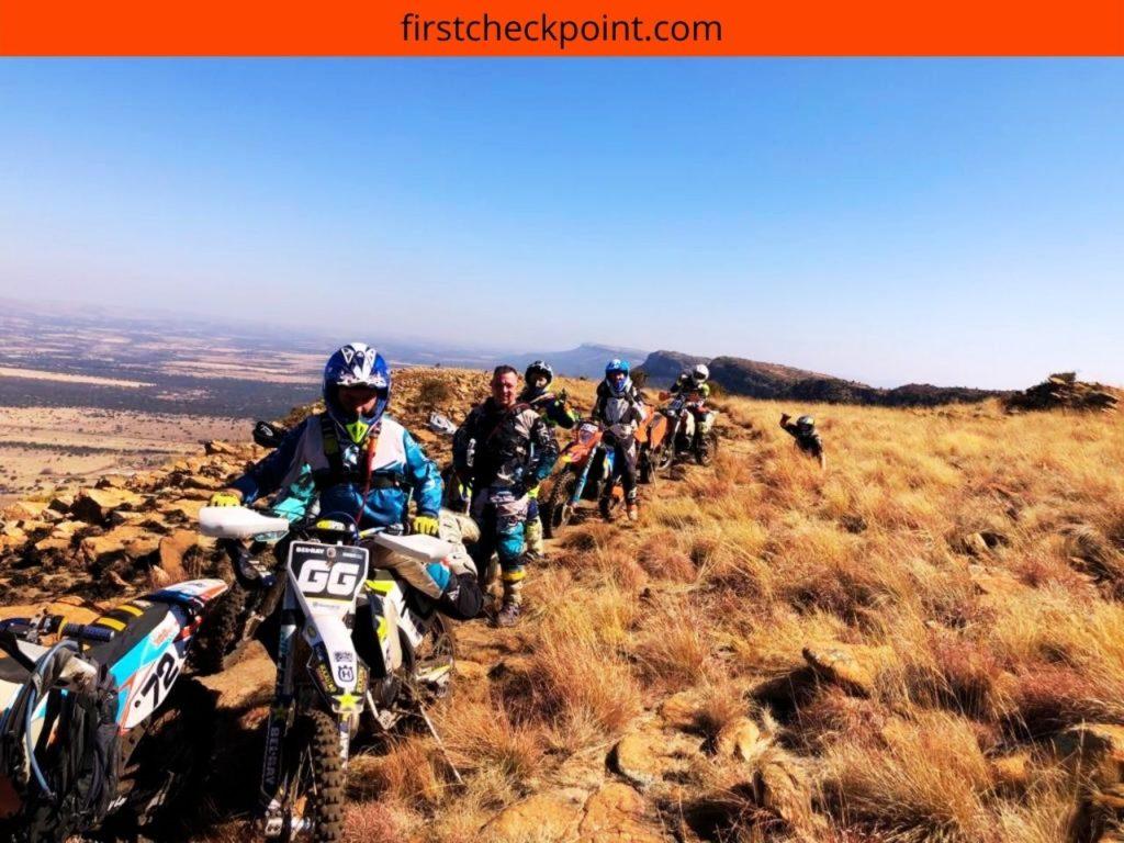 Best 4 Stroke Trail Dirt Bikes (Race vs. Fun)