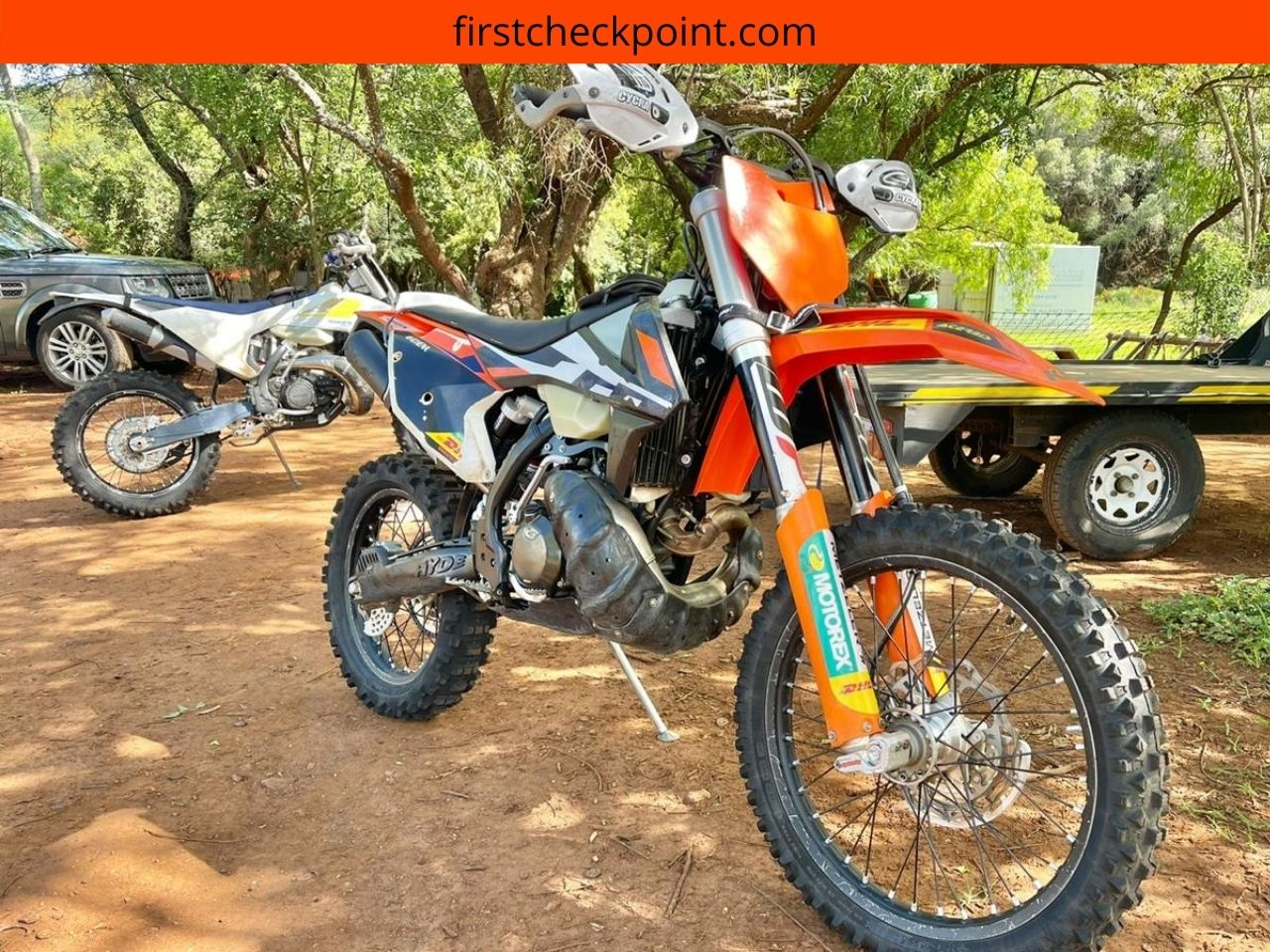 How to warm up a dirt bike engine