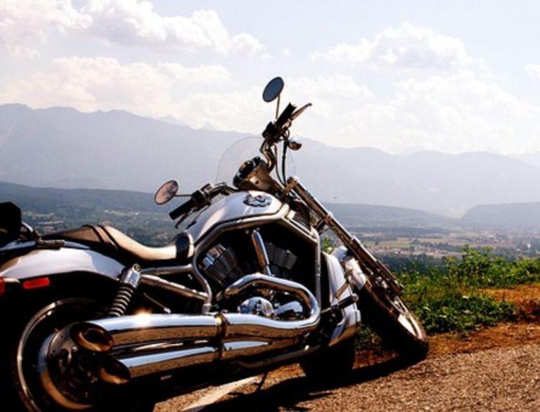 Best Harley Slip-On Mufflers For Speed, Sound & Performance
