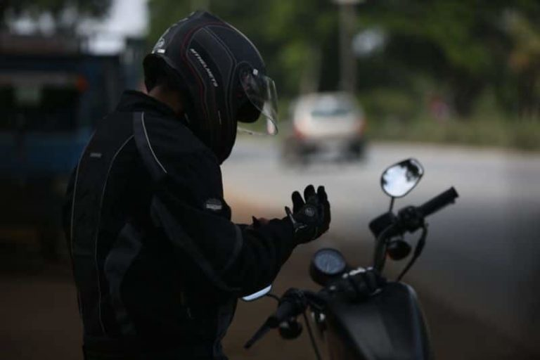 #Answered – Why Should I Wear Motorcycle Gloves?